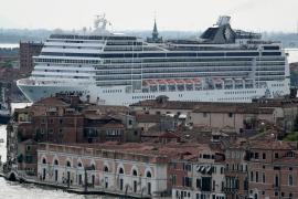 Круизные лайнеры перестали заходить в лагуну Венеции
