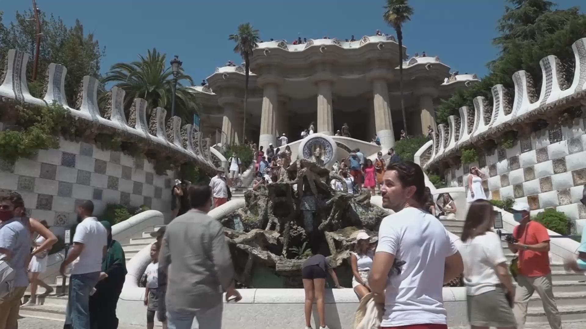 В Барселону возвращаются иностранные туристы