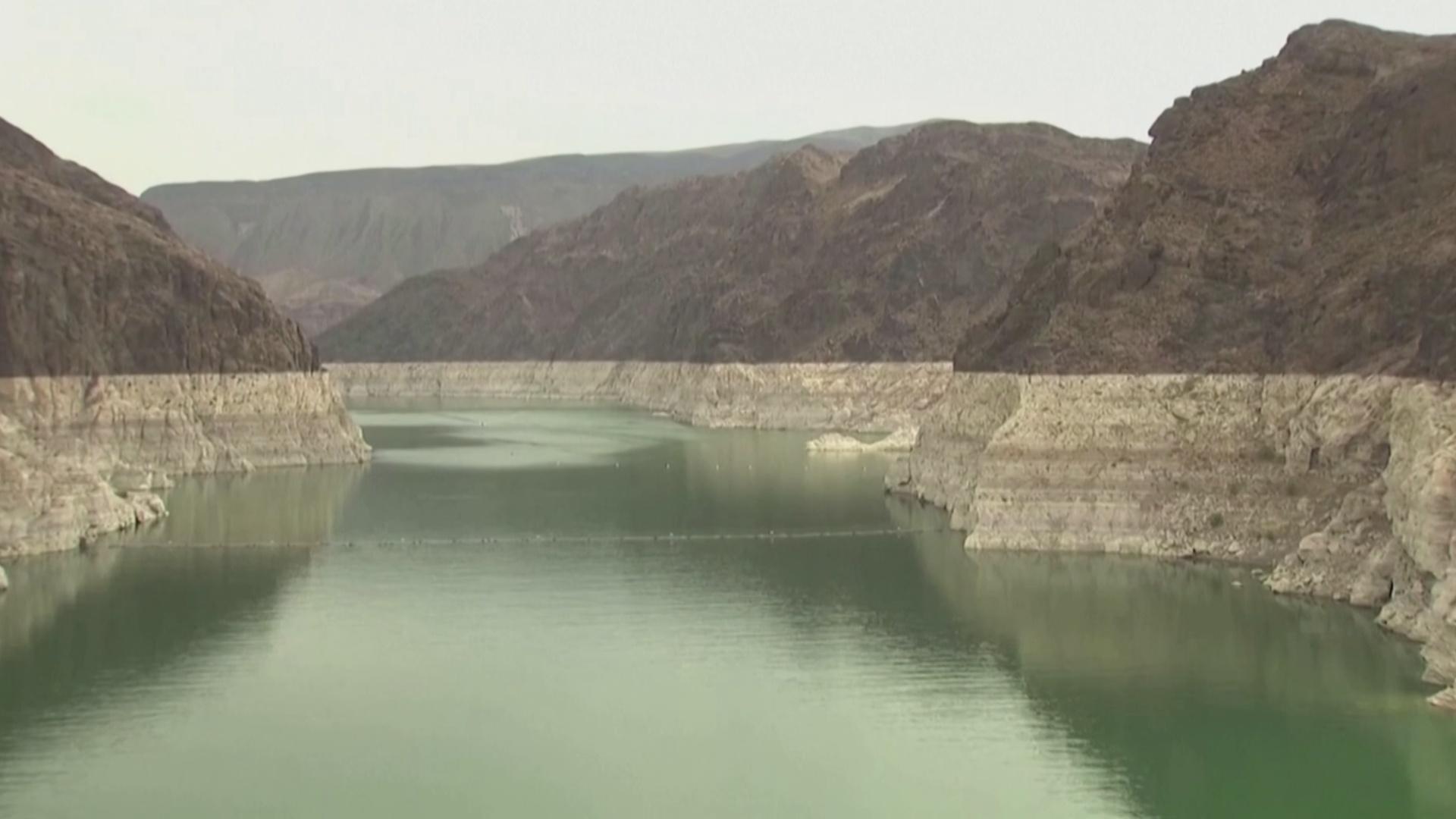 Уровень крупнейшего водохранилища США опустился до критической отметки
