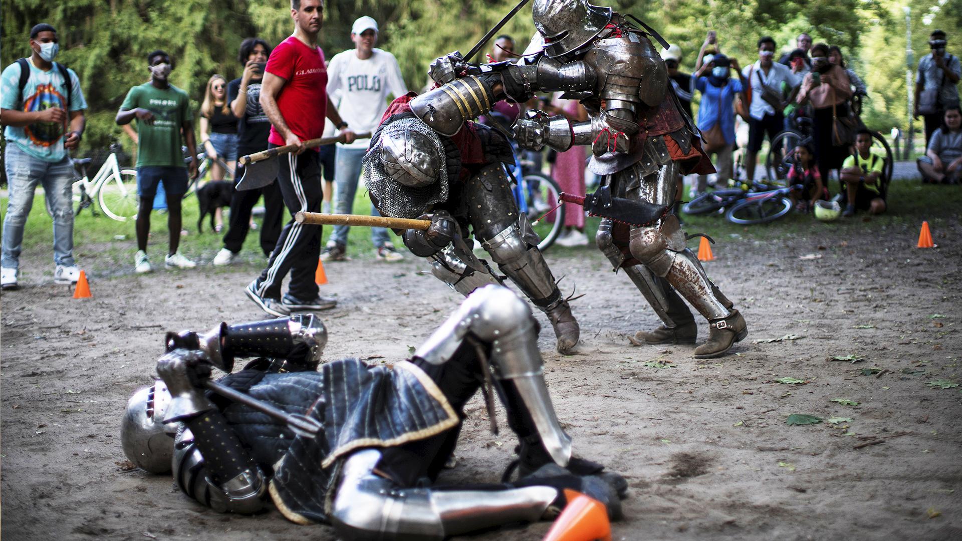 Гладиаторы в доспехах появились в Центральном парке Нью-Йорка