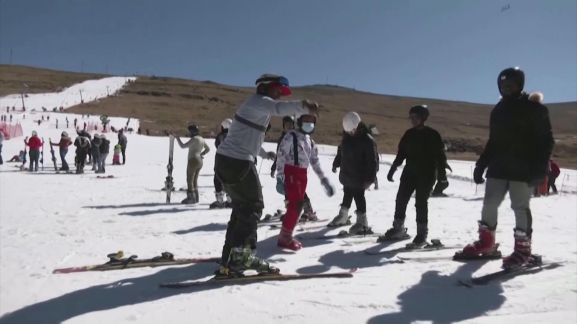 Лыжи в Африке: снег Лесото привлекает туристов