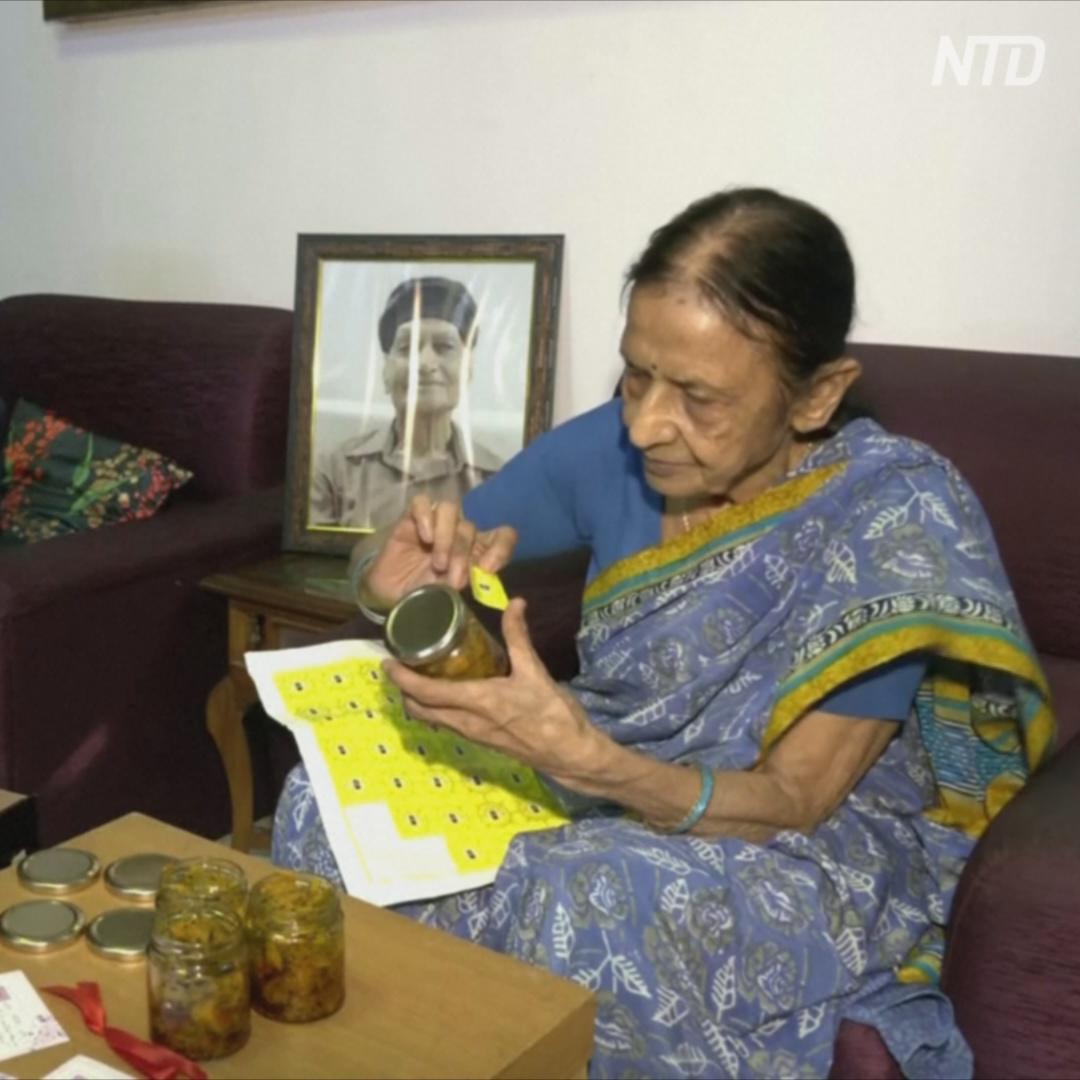 87-летняя женщина переболела COVID, а теперь помогает другим