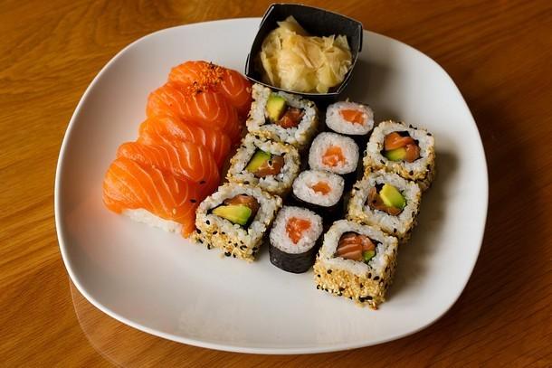 Суши-сет – идеальный вариант готовой еды для большой компании!