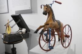 «Жёлтый ангел» и ледокол: причудливые велосипеды на выставке в Петербурге