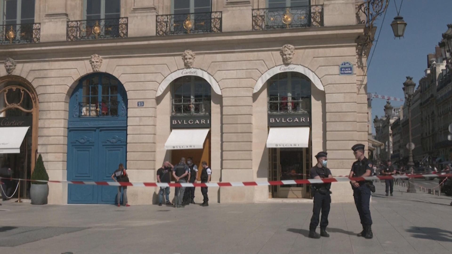 На 10 млн евро ограбили ювелирный магазин Bulgari в Париже