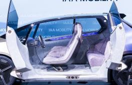 «Крутой и культовый»: BMW показала концепт-кар из мусора
