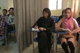 Позволят ли афганским девочкам вернуться в школы?