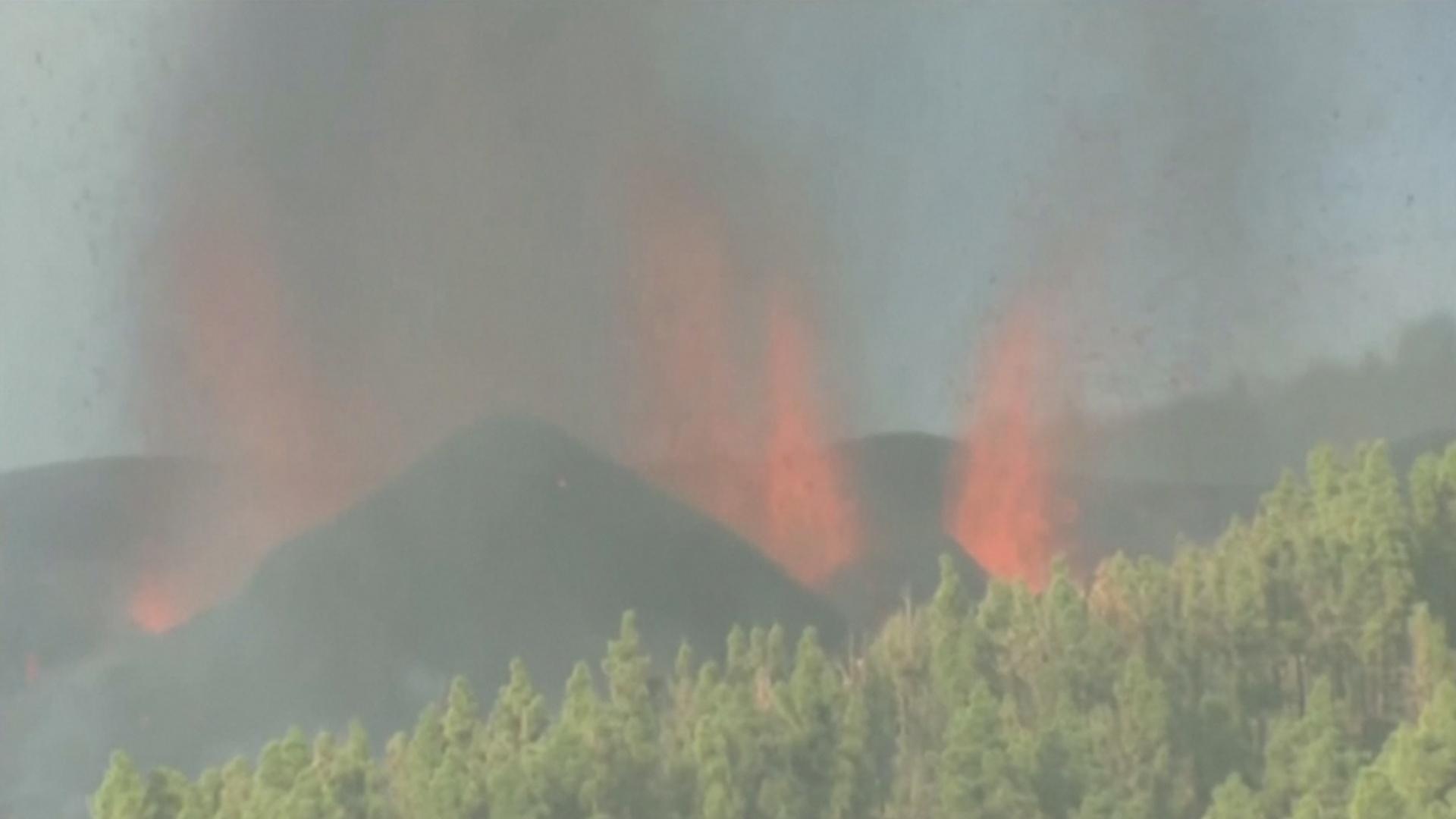 Извергается вулкан: на Канарских островах срочно эвакуируют жителей