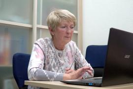 Пожилых россиян учат пользоваться социальными сетями
