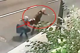70-летняя москвичка не дала грабителю вырвать у себя сумку