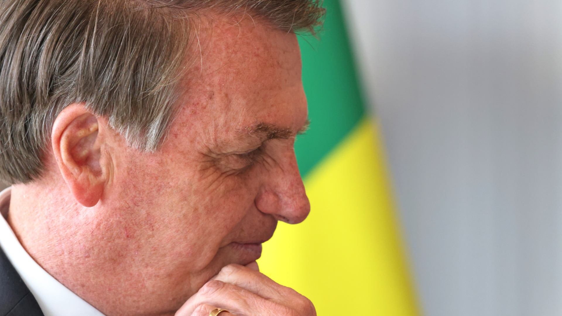 Президент Бразилии усомнился в эффективности вакцин от COVID