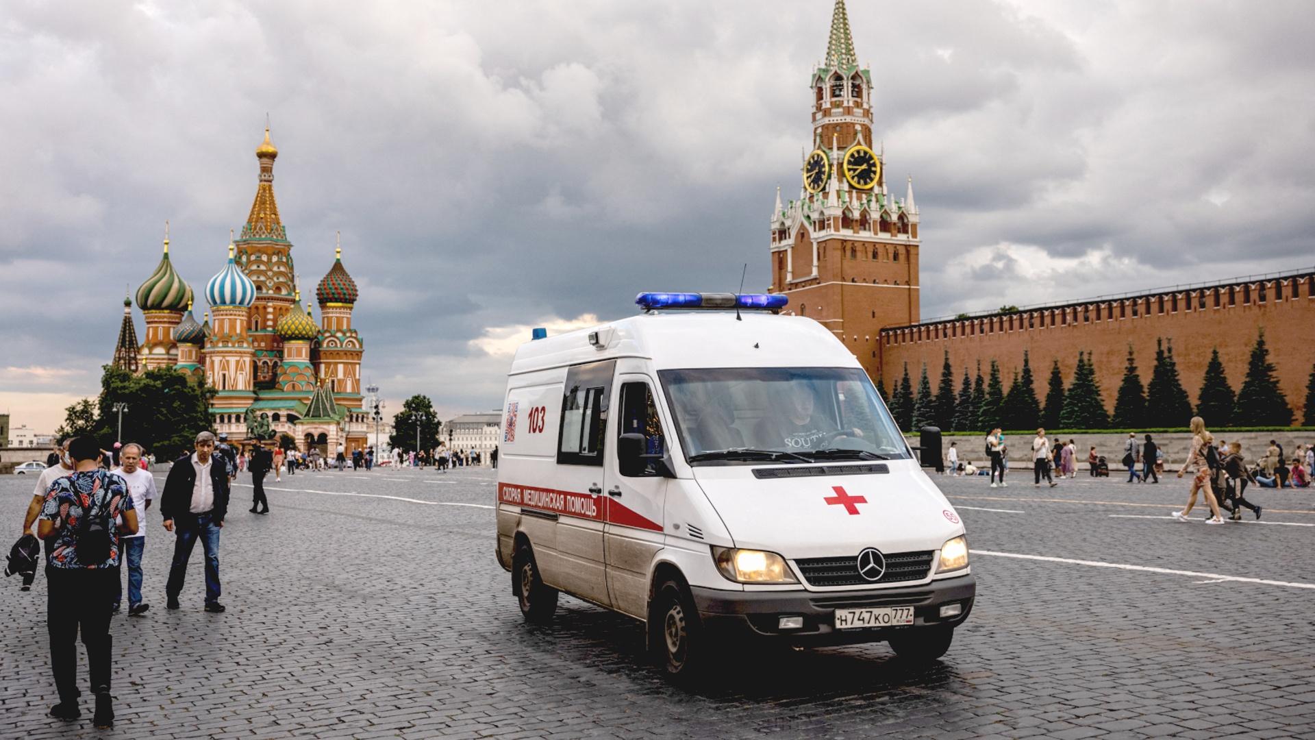 В России – новый антирекорд по смертям от COVID-19 за сутки