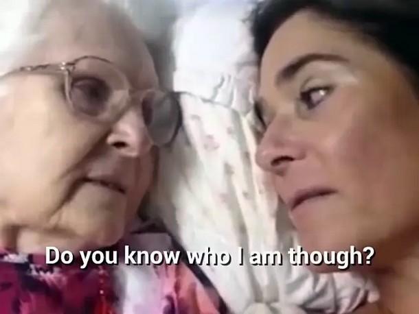 3 1 - Видео общения 87-летней женщины с дочерью стало вирусным