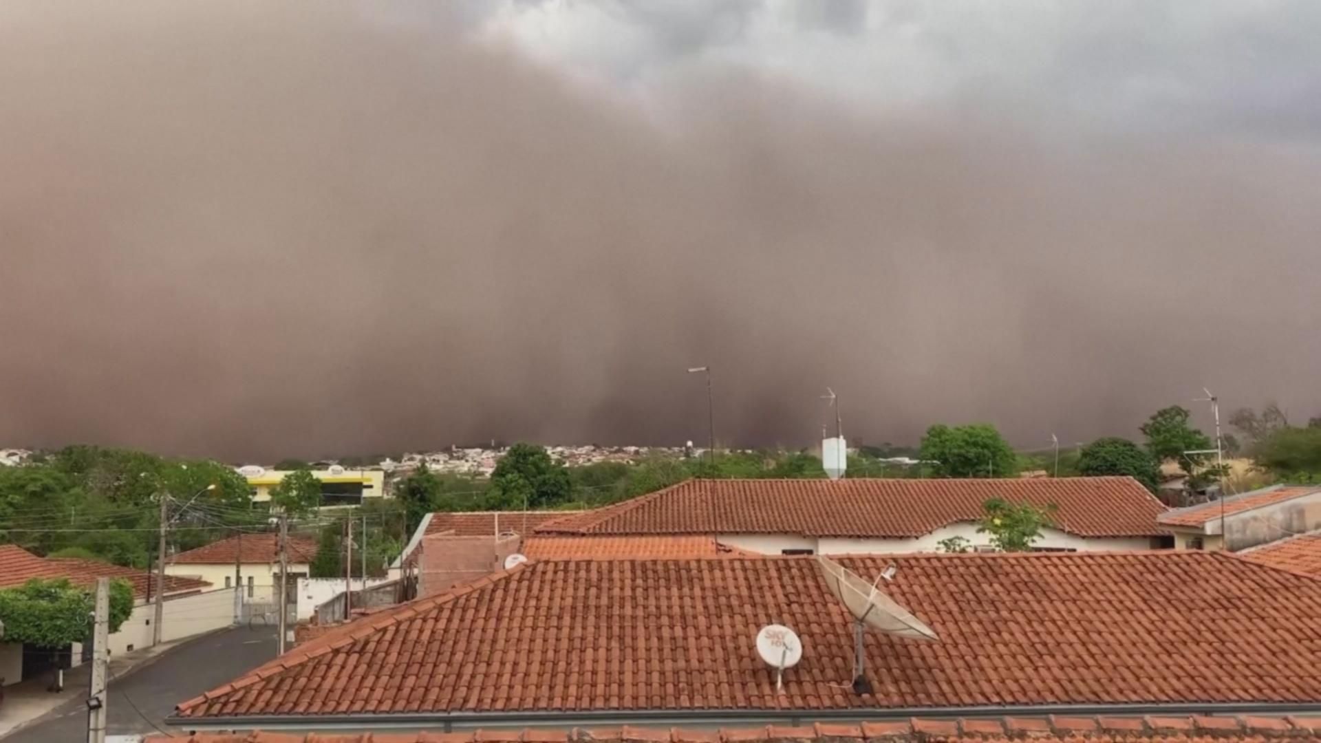 В Бразилии начались песчаные бури