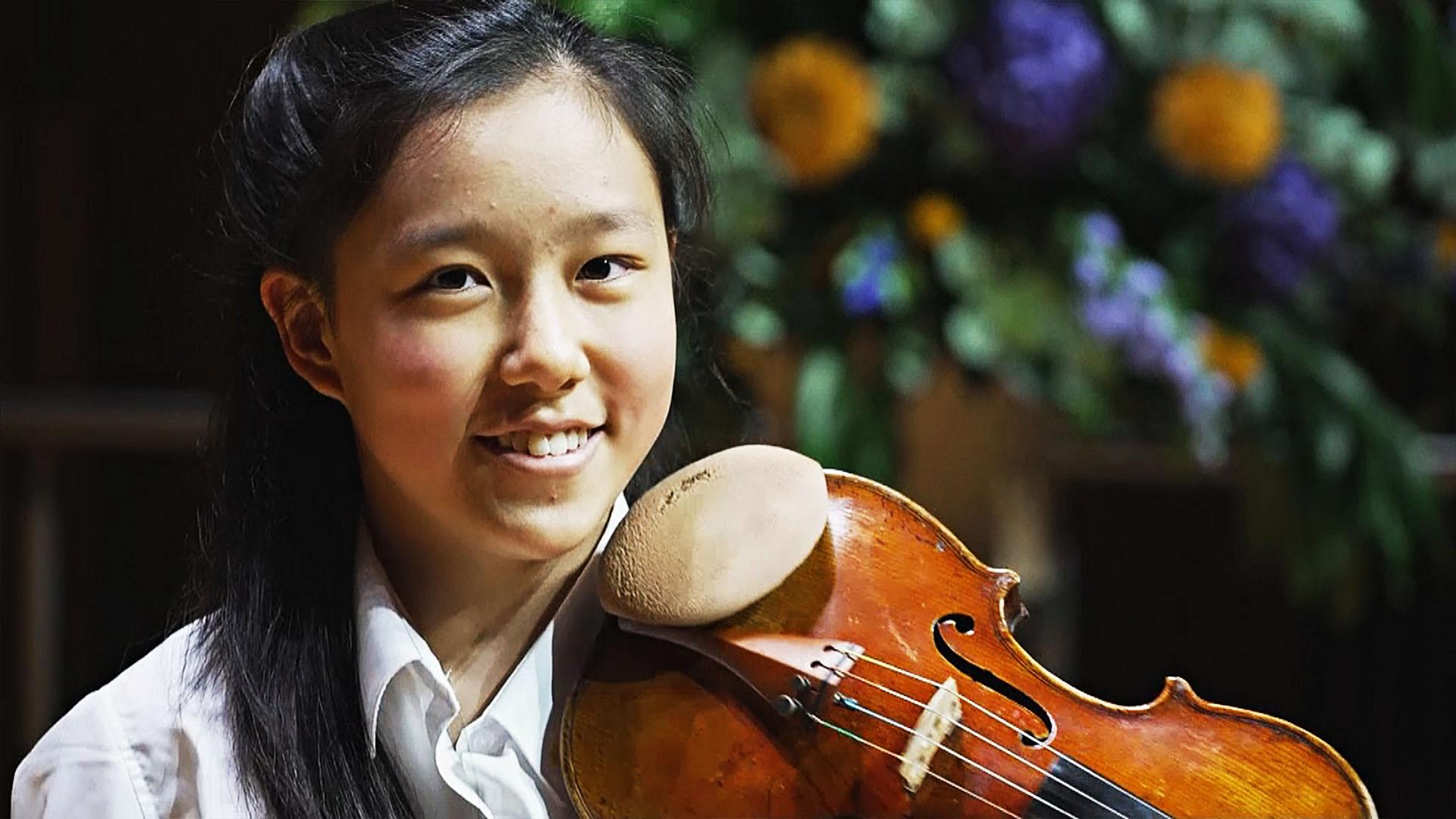 Музыкальный вундеркинд в 14 лет нашла работу мечты