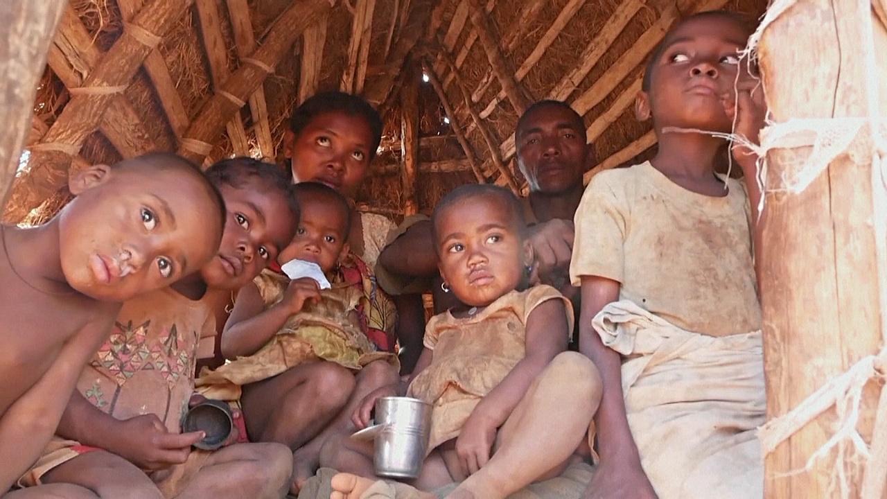 «Не ем по несколько дней»: мадагаскарцы голодают из-за засухи