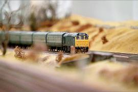 Британец построил крупнейшую в стране модель железной дороги