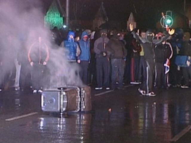 Пятая ночь уличных беспорядков в Белфасте