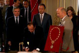 Олланд стал президентом и улетел в Берлин