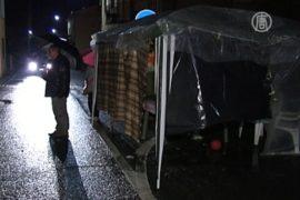 Итальянцы ночуют на улицах из-за повторных толчков