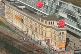 В Цюрихе целиком переносят старый 80-метровый дом