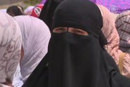 Выборы в Египте: женщины направо, мужчины налево