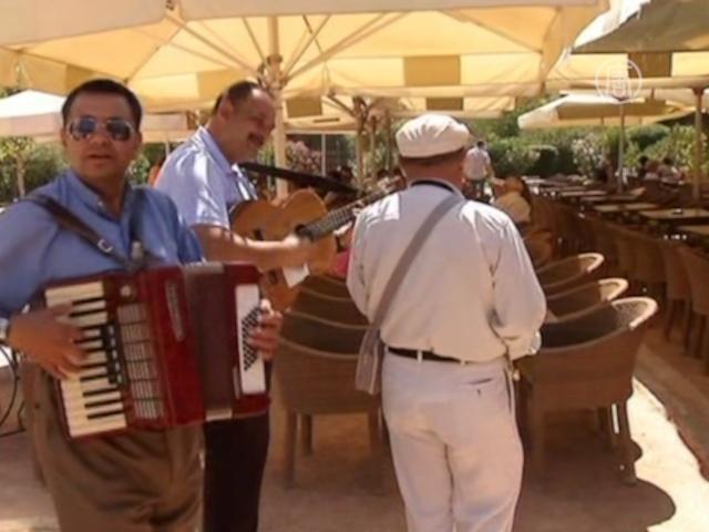 Греческие отели надеются на русских туристов