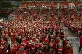 Как в Австралии бастовал целый стадион учителей