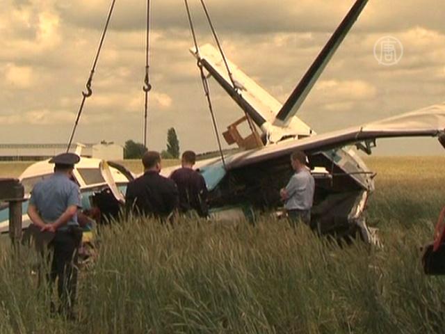 Под Киевом разбился самолет с парашютистами