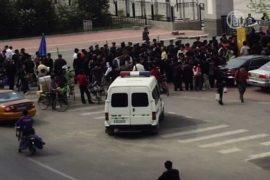 Петиционеры в Китае просят помощи у посольства США