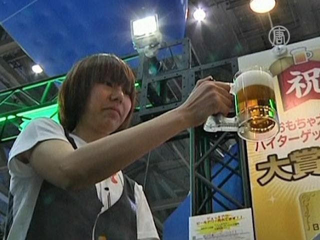 Пивную кружку с «вечной» пеной показали в Токио