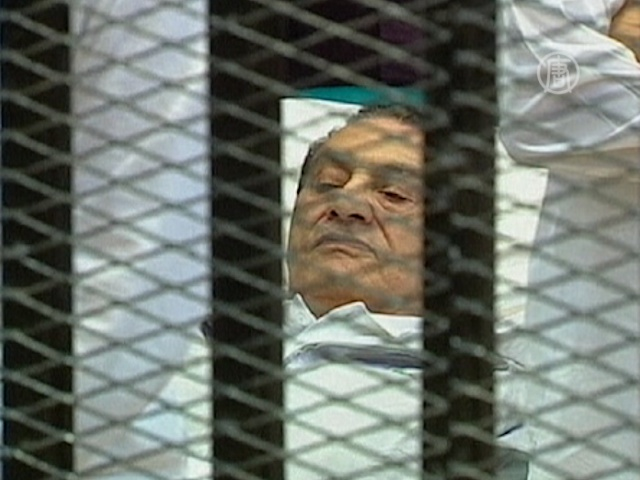 Мубарак подключен к системе жизнеобеспечения