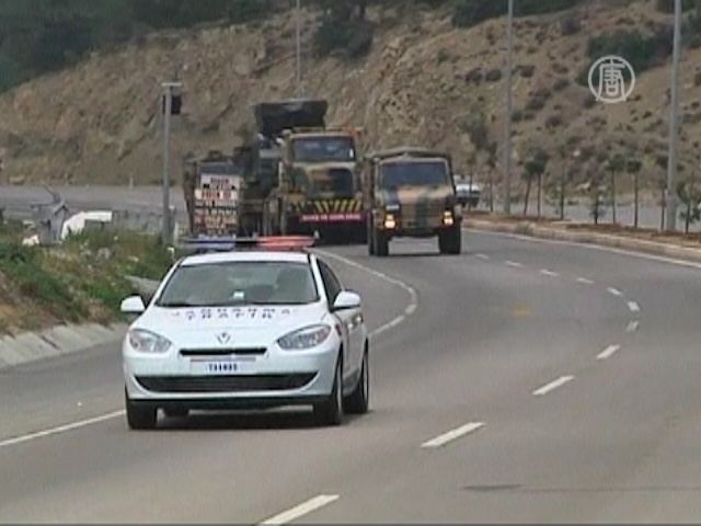 Турция направила бронетехнику к границе с Сирией