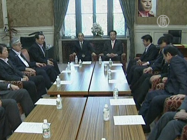 Правящая партия Японии раскололась