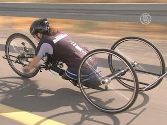Велосипедистка без ног готовится к Паралимпиаде