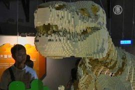Динозавр из 80 тысяч кубиков Лего поразил Тайвань
