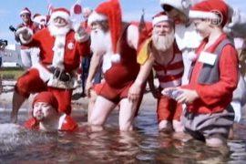 Санта-Клаусам и летом дома не сидится