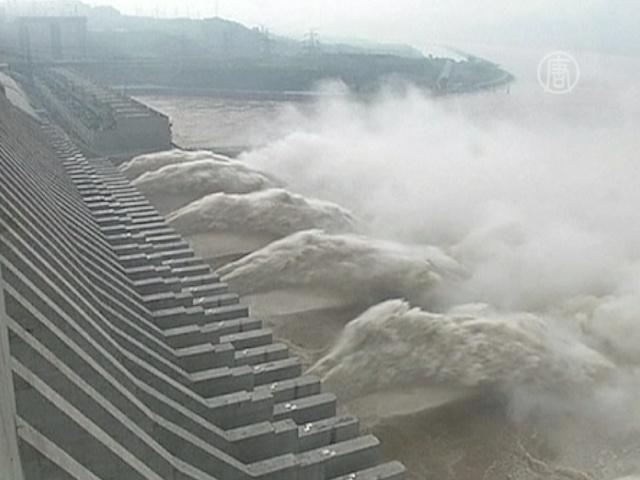 Наводнение в районе ГЭС «Три ущелья», 200 погибших