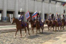 Казаки отправились на лошадях до Парижа