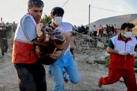 Землетрясение в Иране: 300 погибших, тысячи в беде