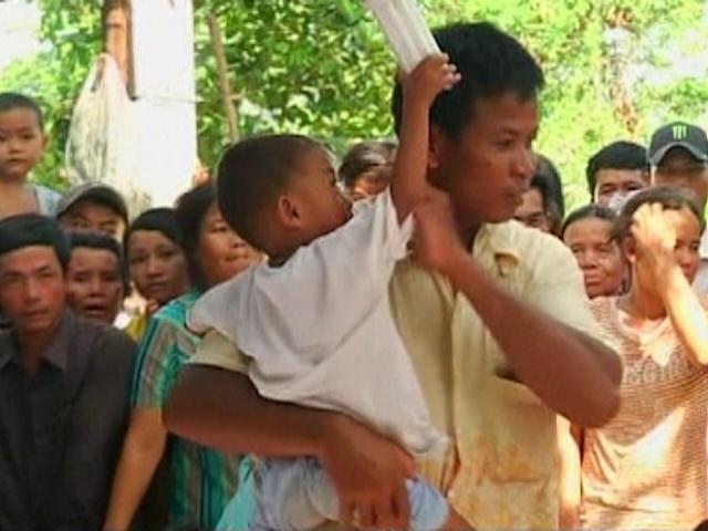 В Камбодже появился 3-летний мальчик-целитель