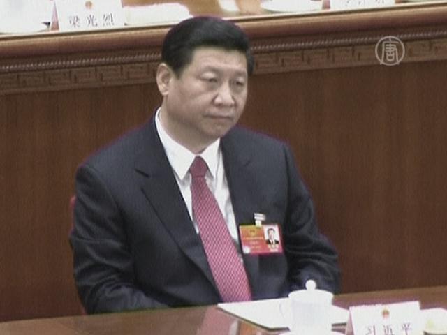 О Си Цзиньпине по-прежнему ни слова
