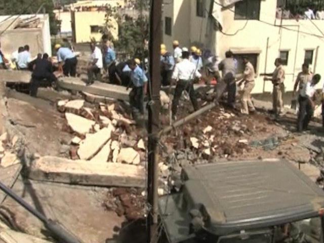 В Индии внезапно обрушилась многоэтажка