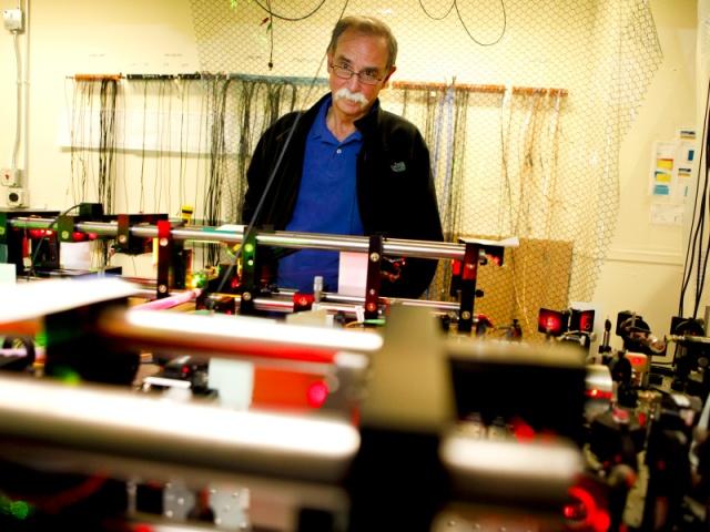 Нобелевскую премию по физике дали за точные часы