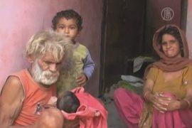 Жители Индии принимают демона-короля
