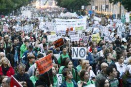 Протесты студентов в Испании продолжаются 3 день