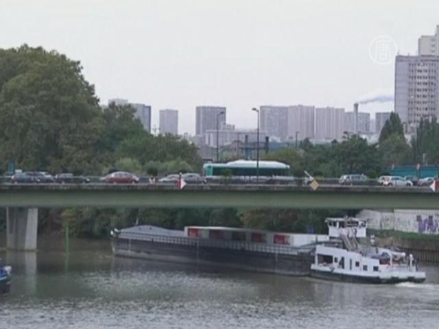 Товары по реке: Париж возрождает вековые традиции