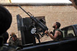 Повстанцы продолжают осаду военной базы Асада