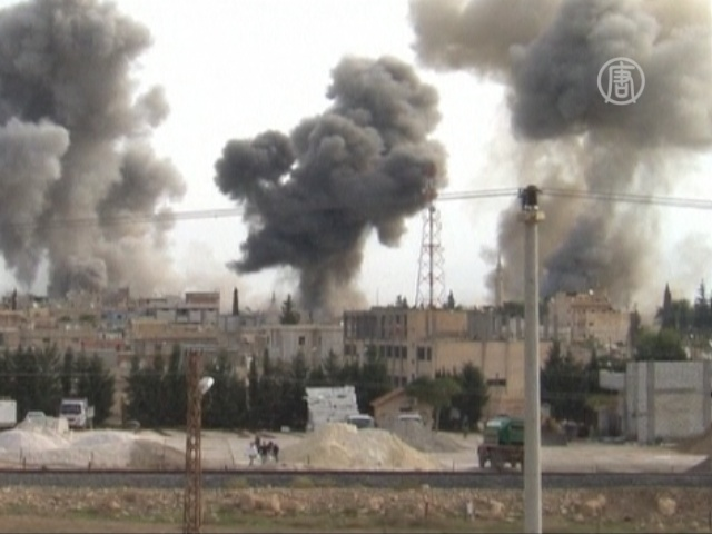 Войска Асада бомбят приграничный город
