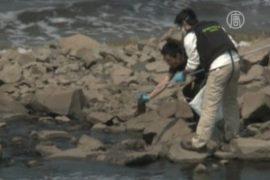 Реки в Китае чернеют из-за текстильных заводов